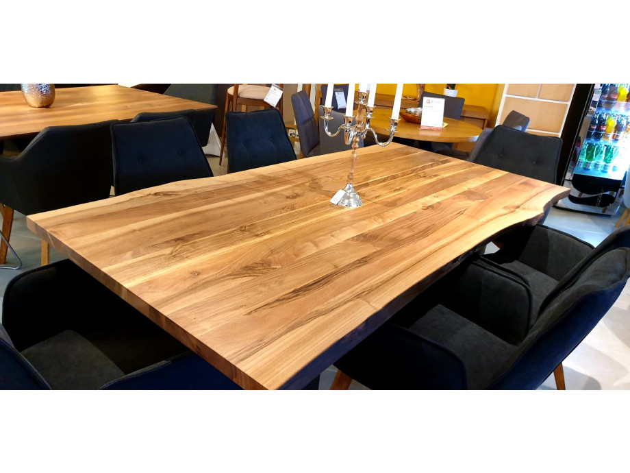 Esstisch Walnut Table 09