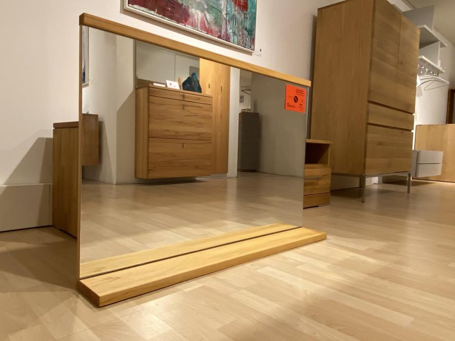 Spiegel mit Ablage 02