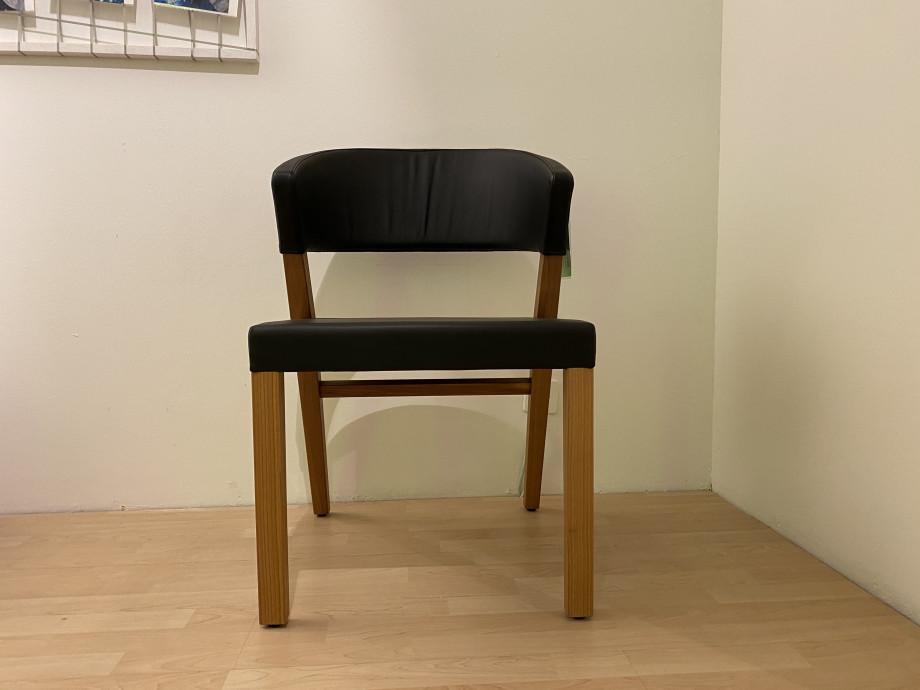 Stuhl Xeno von Girsberger 01