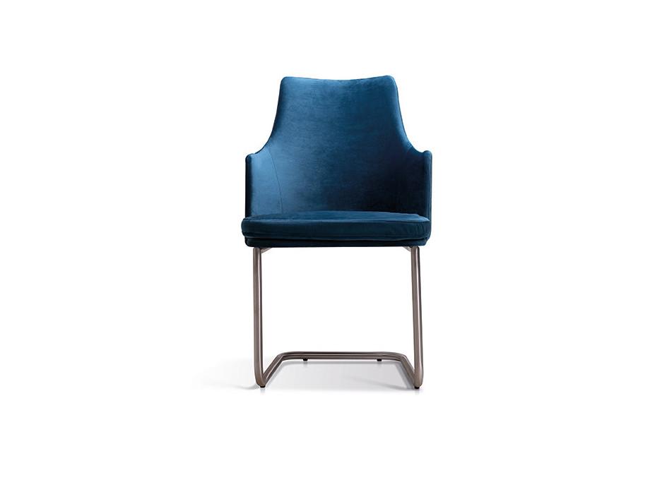 6 Stühle Freischwinger Nela Lüönd 02