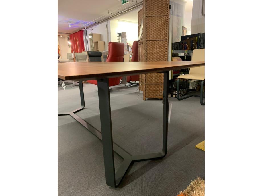 Tisch massiv Modell Yoho von Girsberger 100 x 220 cm 04