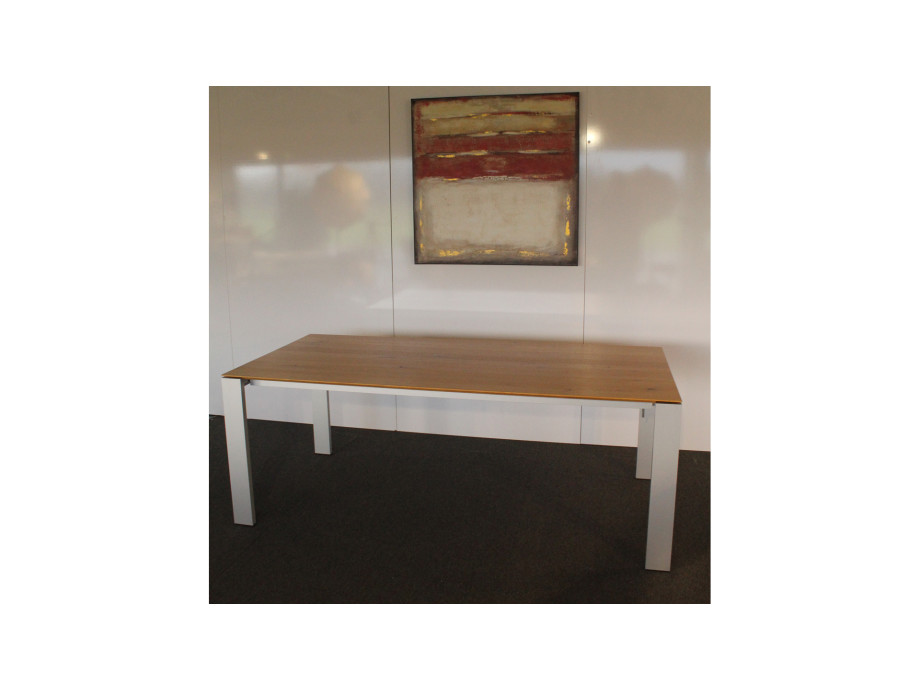 Table Maleo / Tisch Maleo 01
