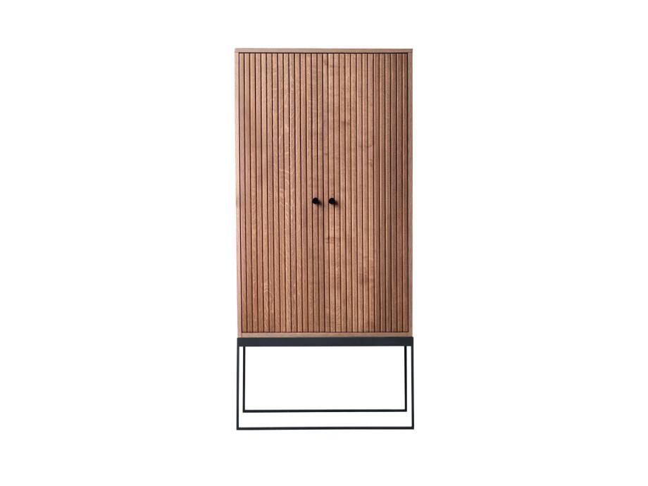 Schrank DIS 168 - gerillte Türen 01