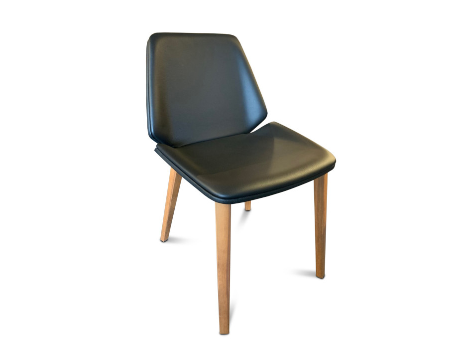 4-Bein Stuhl Modell Pala von Girsberger in Leder schwarz 08