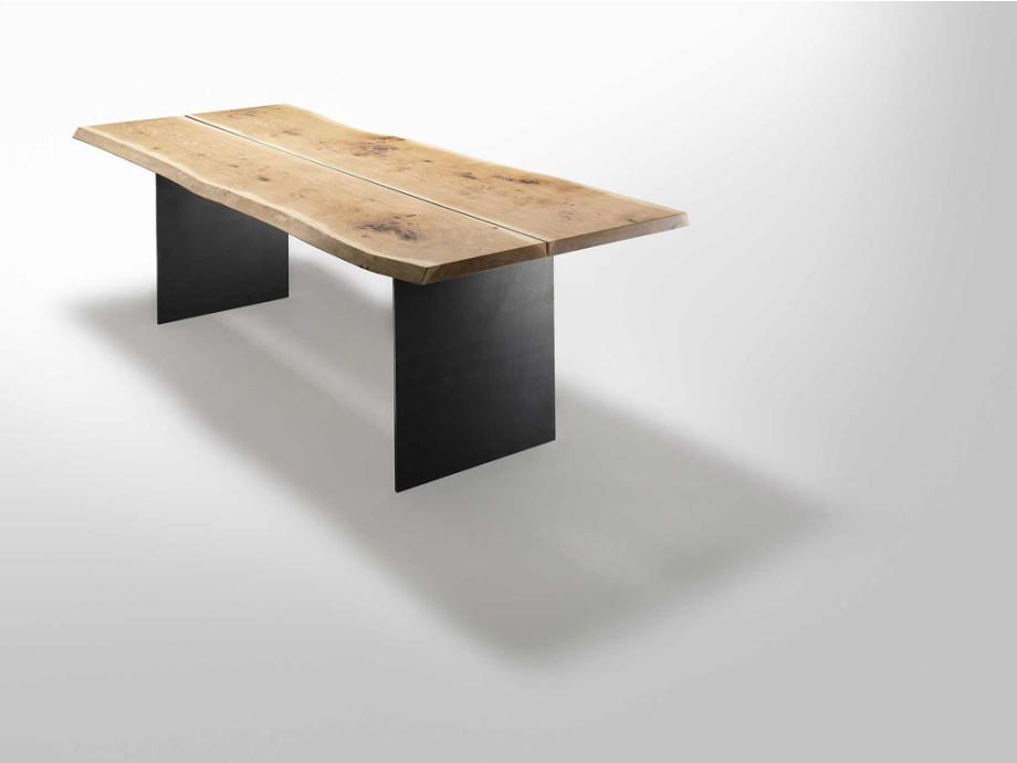 Anrei Tisch Stamm 02