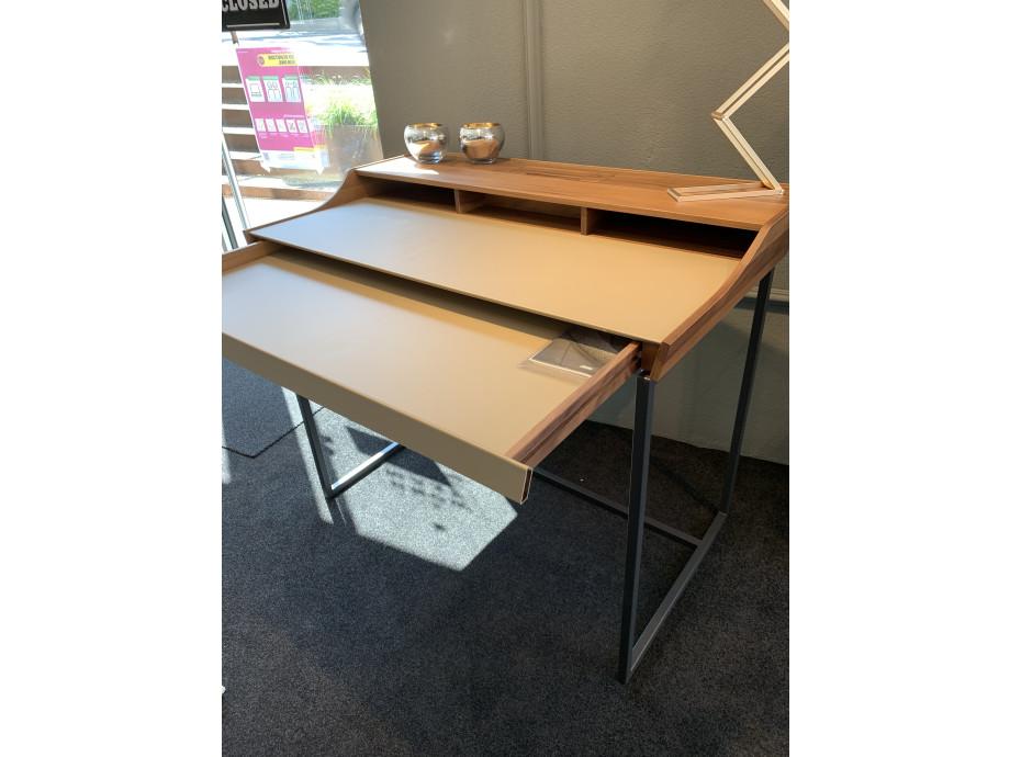 Schreibtisch  01