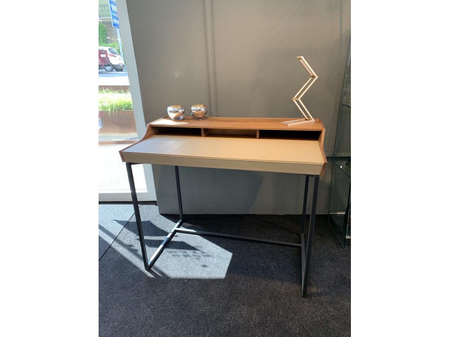 Schreibtisch  10
