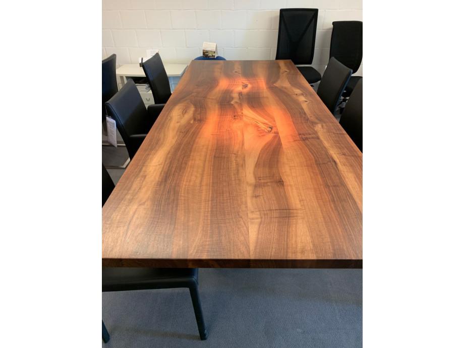 Tisch Europ. Nussbaum massiv Modell Henry von Girsberger 100 x 240 cm 01