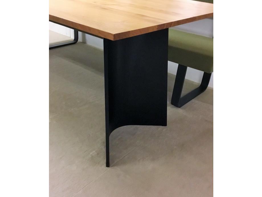 Tisch Guisto / Girsberger 01