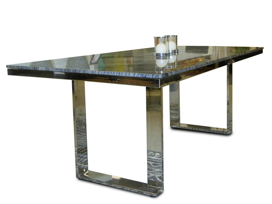 Esstisch mit schwarzer Marmorplatte 04