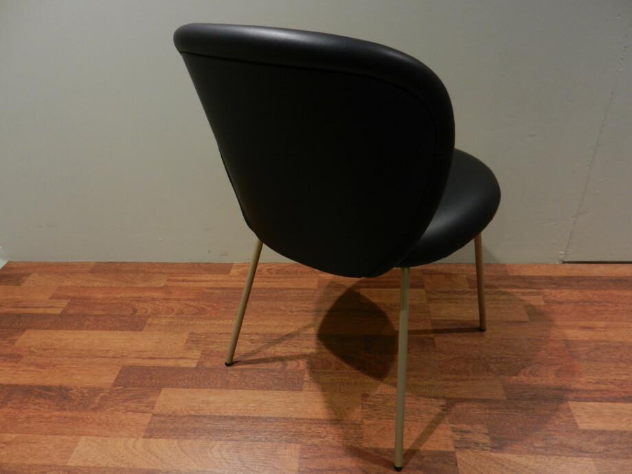 Tischgruppe mit 6 Stühlen von Janua und Freifrau / Ona mit Esstisch S600 08