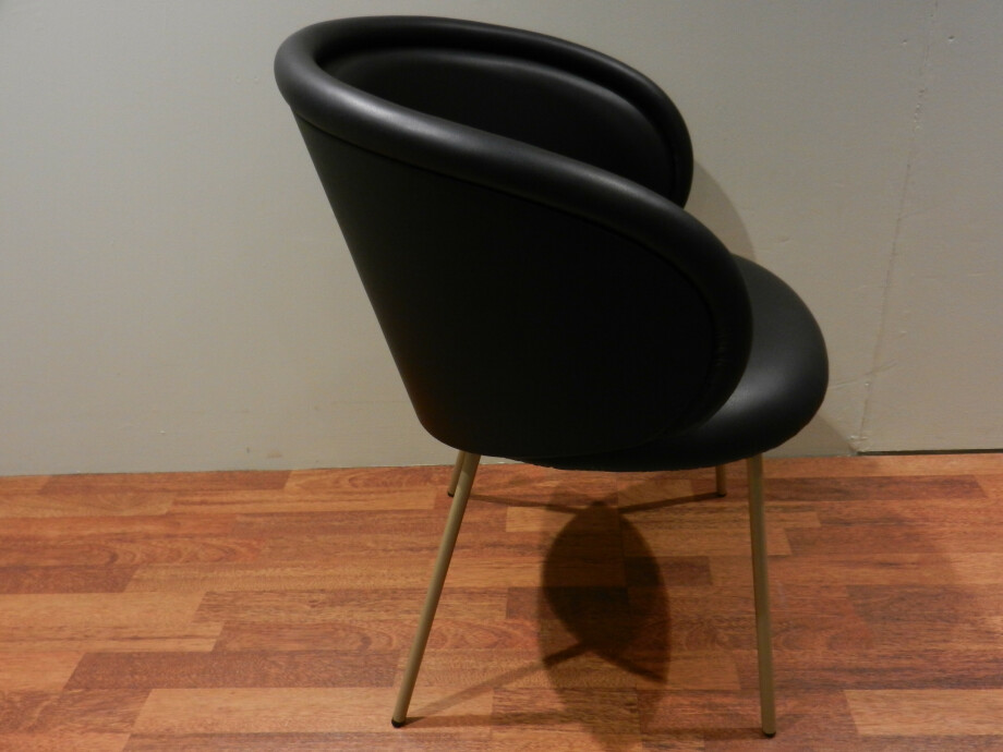 Tischgruppe mit 6 Stühlen von Janua und Freifrau / Ona mit Esstisch S600 12