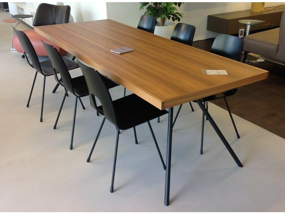 Tisch und 6 Stühle / horgenglarus 03