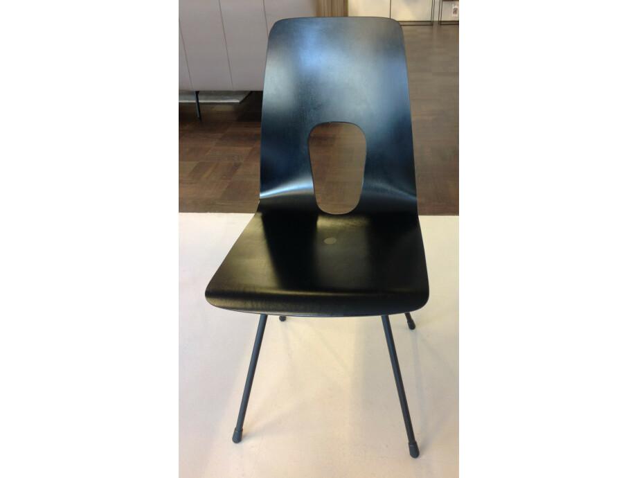 Tisch und 6 Stühle / horgenglarus 09
