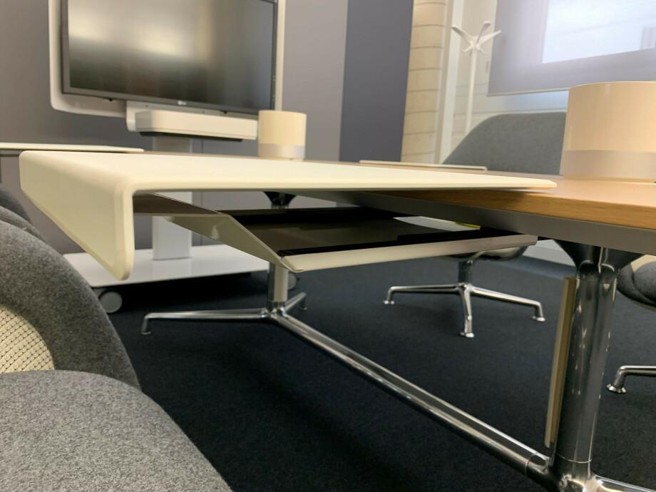 Table et siège de Coalesse 05