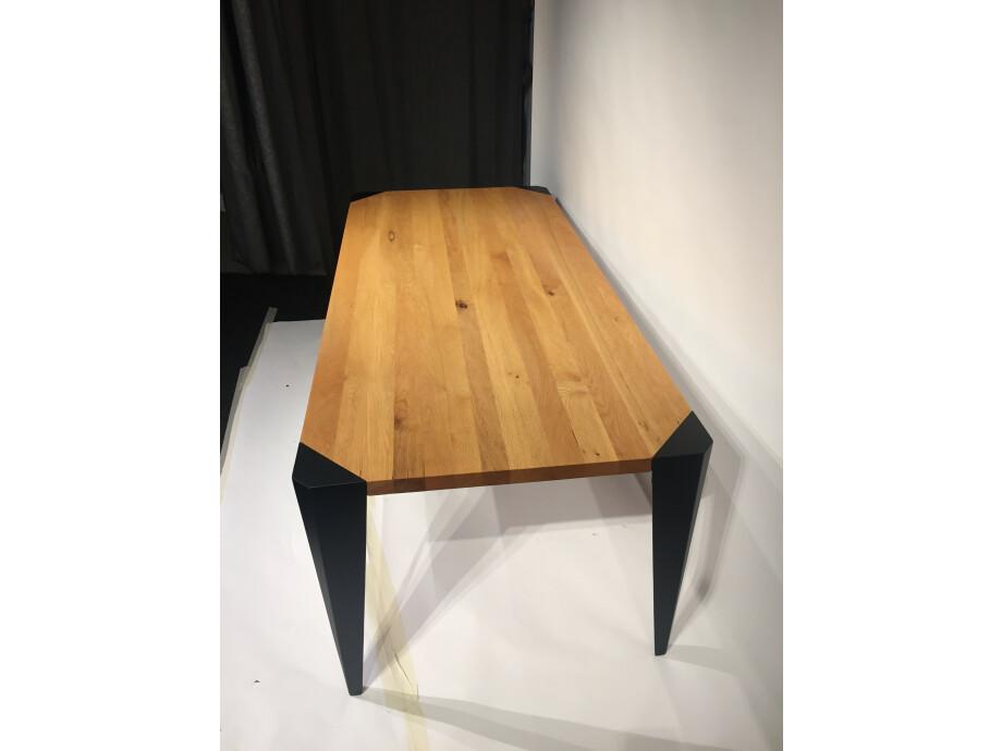 Tisch in Massivholz Sumpfeiche 200 x 90 cm Lüönd 06
