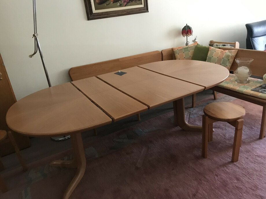 Eckbank und Tisch ausziehbar in Holz (Swiss made) 01
