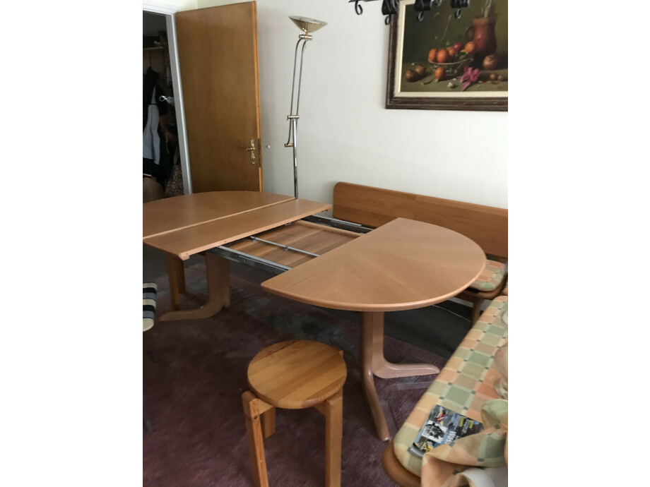 Eckbank und Tisch ausziehbar in Holz (Swiss made) 03