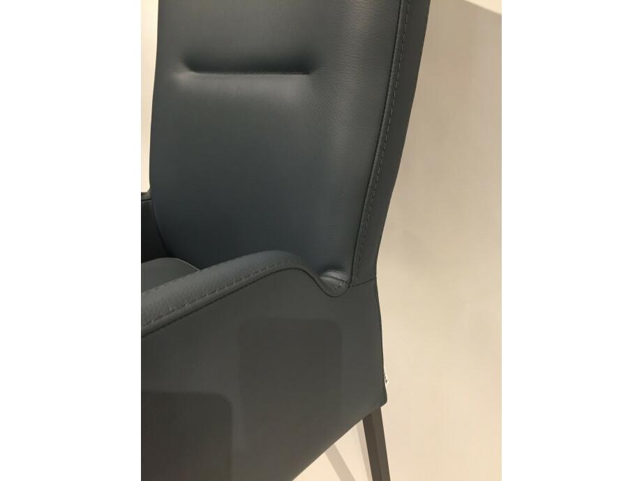 Stuhlkombination mit Sitzbank LIAM Lüönd 12