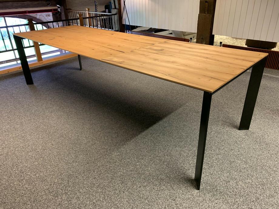 Table Brooklyn de Karel Mintjens 12