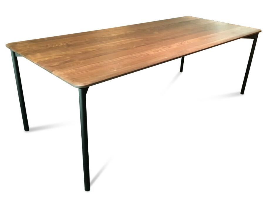 Massivholztisch Siena Amerik. Nussbaum 200 x 95 cm Lüönd 03