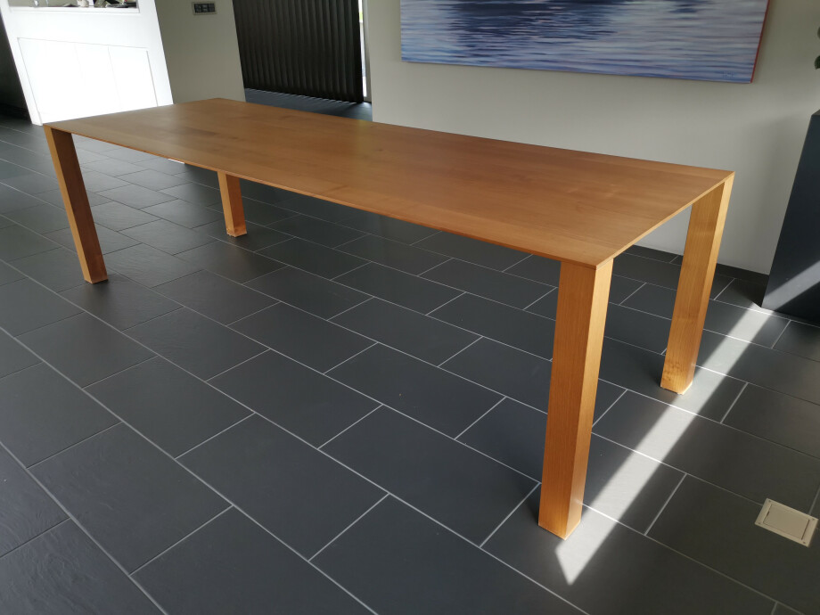 Massivholztisch THIN 260 x 90 cm 01