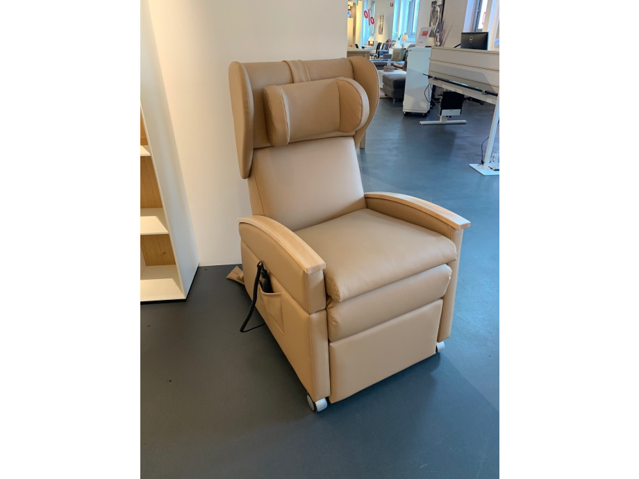 1549980659-care-produkte-pflegesessel-premium-mit-aufstehhilfe_7.jpg